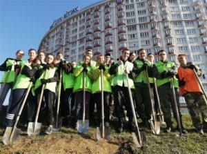 Студенты БГТУ приняли активное участие в озеленении МКАД
