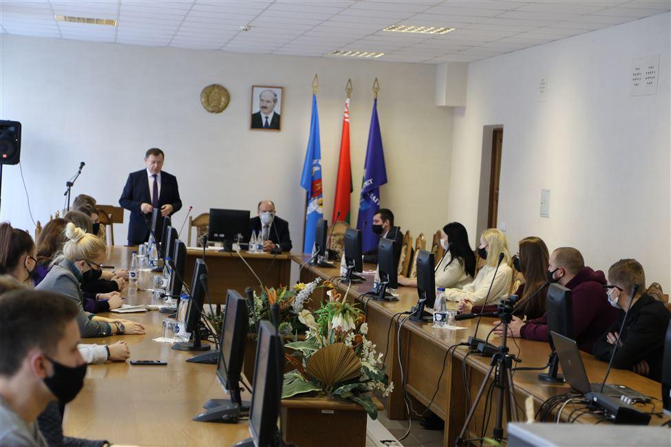 Глава Администрации Ленинского района Петр Шостак встретился со студентами БГТУ